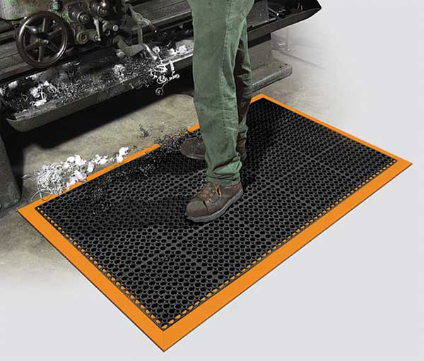 Drainage Mat With Safety Borders