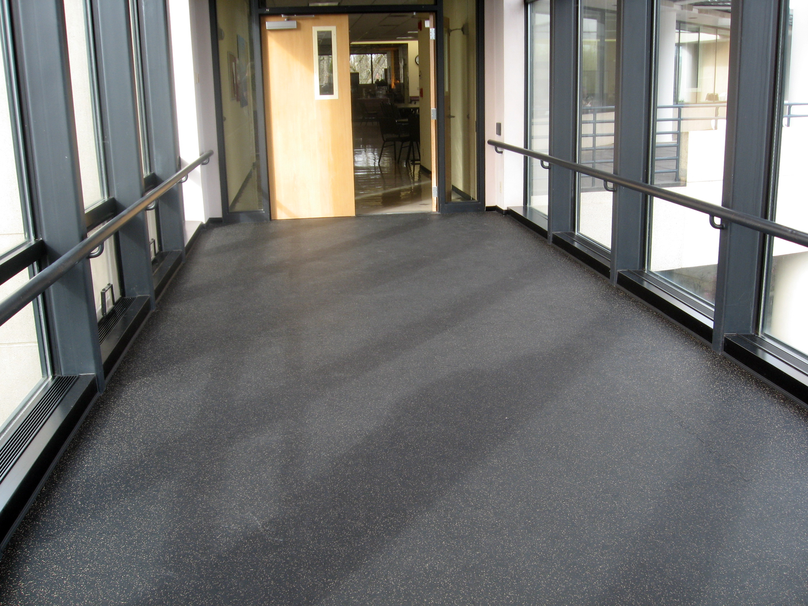 Pleasing Rolled Rubber Flooring 5X50X1 4 Black With Blue Download Free Architecture Designs Sospemadebymaigaardcom