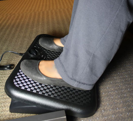 Heated Footrest Warms Your Feet and Your Entire Body