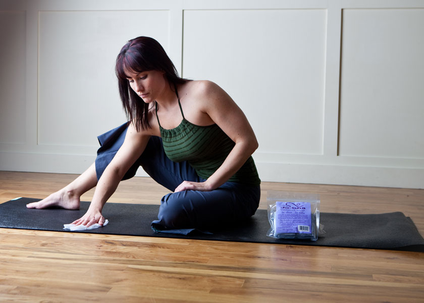 Yoga Mat Cleaning Wipes With Essential Oils